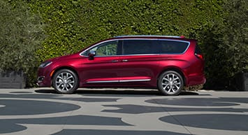 2017 Chrysler Pacifica Side View Thumb