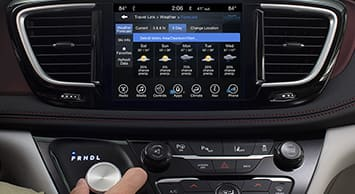 2017 Chrysler Pacifica Uconnect System Thumb