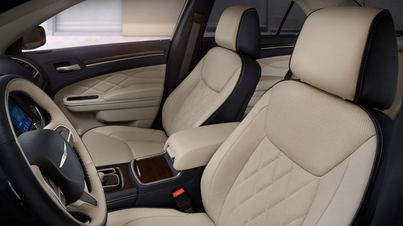 2015 Chrysler 300 for lease near Bloomington, Illinois
