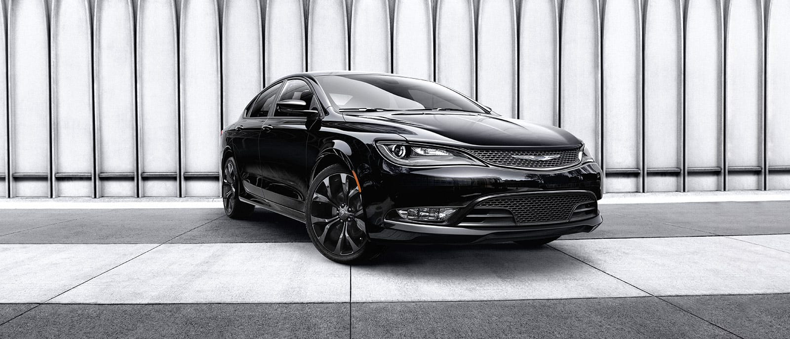 Chrysler 200: Pinch Protect Feature