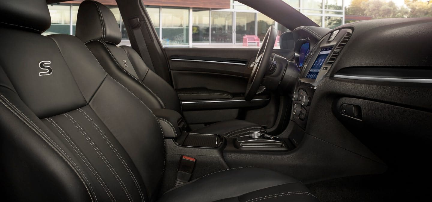 2018 Chrysler 300 - Smart Interior Features