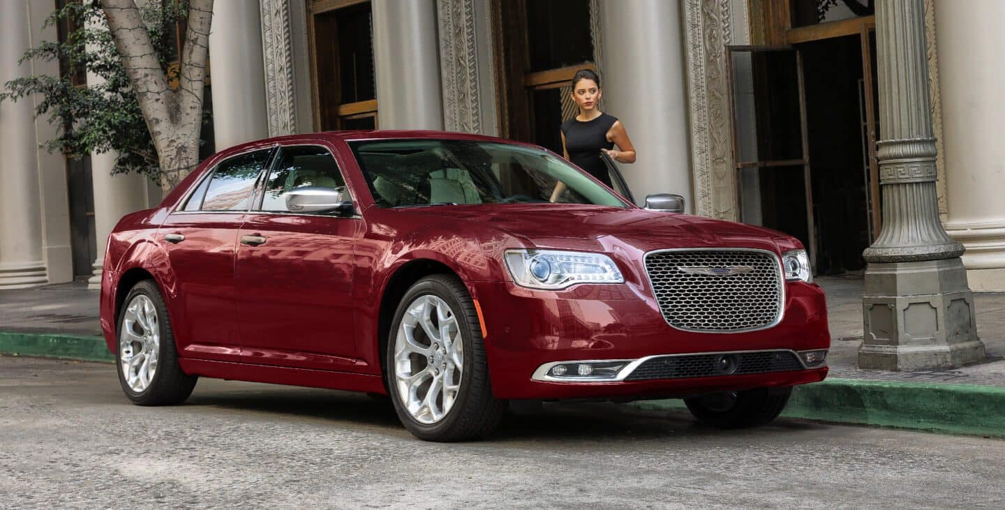 2019 Chrysler 300 Gallery 06