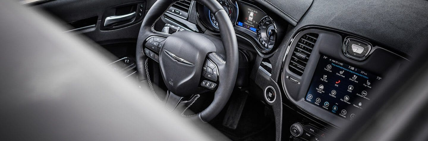 2019 Chrysler 300 Tech Hero