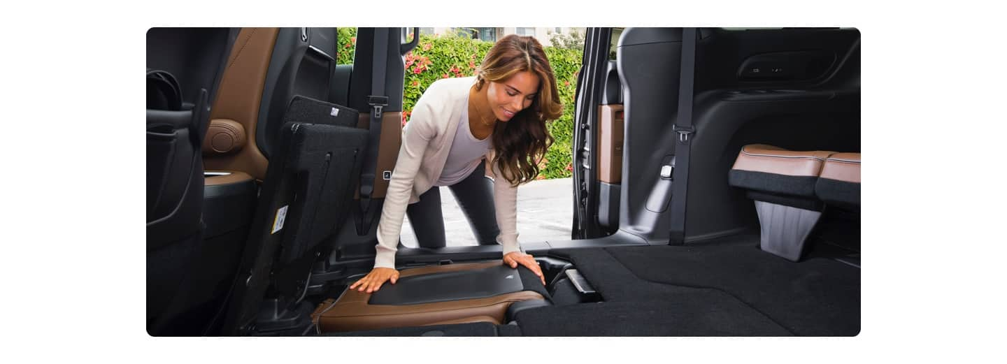 Stow And Go Seating >> 3rd Row Seating Storage More 2020 Chrysler Pacifica